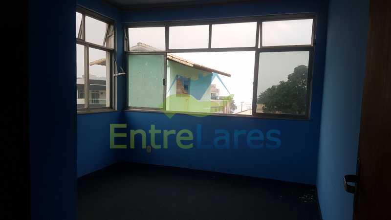 19 - Casa triplex no Jardim Guanabara 7 quartos sendo 1 suíte, varandão, copa cozinha planejada, piscina, terraço, 2 vagas de garagem. Aceita permuta. - ILCA70003 - 21
