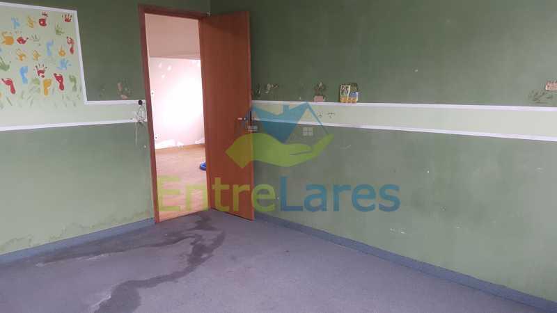 20 - Casa triplex no Jardim Guanabara 7 quartos sendo 1 suíte, varandão, copa cozinha planejada, piscina, terraço, 2 vagas de garagem. Aceita permuta. - ILCA70003 - 22