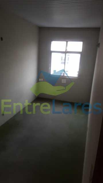 21 - Casa triplex no Jardim Guanabara 7 quartos sendo 1 suíte, varandão, copa cozinha planejada, piscina, terraço, 2 vagas de garagem. Aceita permuta. - ILCA70003 - 23