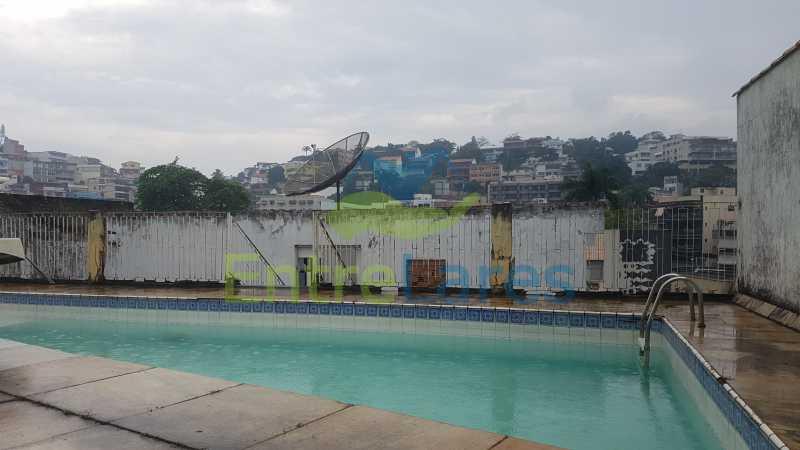 24 - Casa triplex no Jardim Guanabara 7 quartos sendo 1 suíte, varandão, copa cozinha planejada, piscina, terraço, 2 vagas de garagem. Aceita permuta. - ILCA70003 - 27