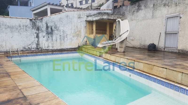 25 - Casa triplex no Jardim Guanabara 7 quartos sendo 1 suíte, varandão, copa cozinha planejada, piscina, terraço, 2 vagas de garagem. Aceita permuta. - ILCA70003 - 28