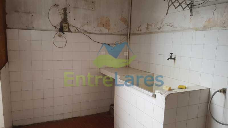 26 - Casa triplex no Jardim Guanabara 7 quartos sendo 1 suíte, varandão, copa cozinha planejada, piscina, terraço, 2 vagas de garagem. Aceita permuta. - ILCA70003 - 29