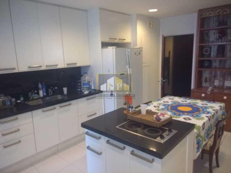 WhatsApp Image 2018-03-24 at 1 - Apartamento Condomínio GEORGE BIZET, Barra da Tijuca,Rio de Janeiro,RJ Para Venda e Aluguel,3 Quartos,350m² - LPAP30237 - 14