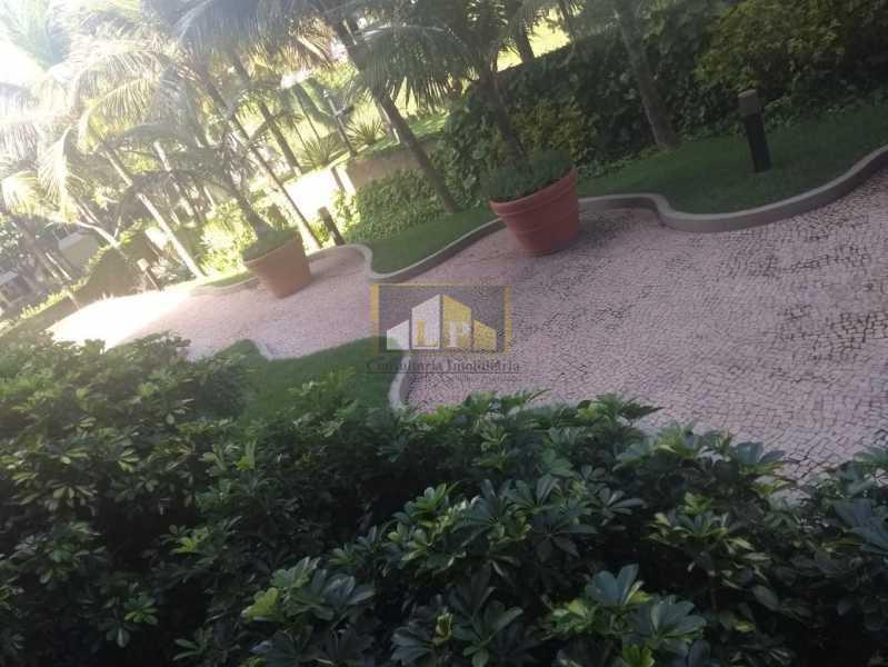 WhatsApp Image 2018-03-24 at 1 - Apartamento Condomínio GEORGE BIZET, Barra da Tijuca,Rio de Janeiro,RJ Para Venda e Aluguel,3 Quartos,350m² - LPAP30237 - 22