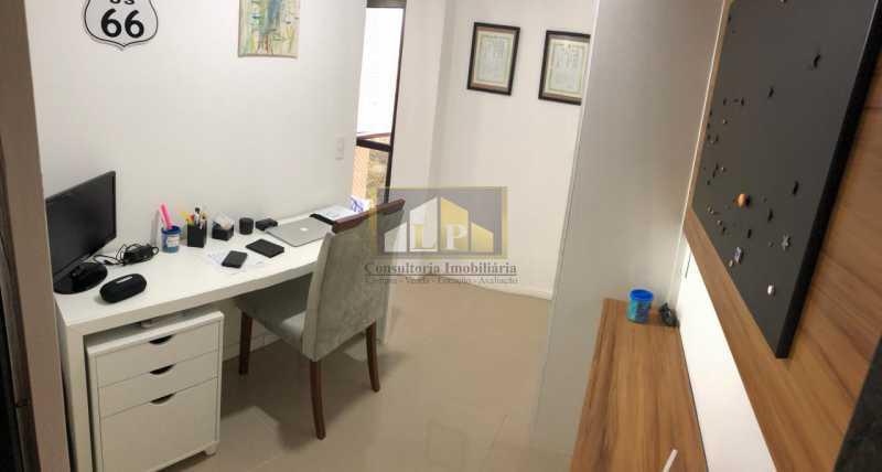 WhatsApp Image 2018-05-17 at 1 - Apartamento imovel a venda 2 quartos na ABM, Bosque Marapendi, Canal de Marapendi, condominio Lyon - LPAP20643 - 11