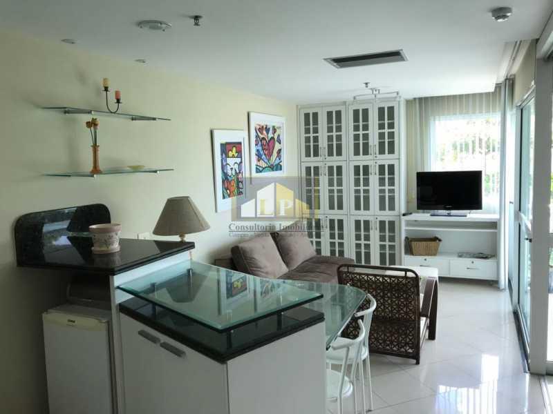 WhatsApp Image 2018-07-19 at 2 - Apartamento Condomínio GRAN NOBILE, Avenida Lúcio Costa,Barra da Tijuca, Rio de Janeiro, RJ À Venda, 1 Quarto, 55m² - LPAP10214 - 5