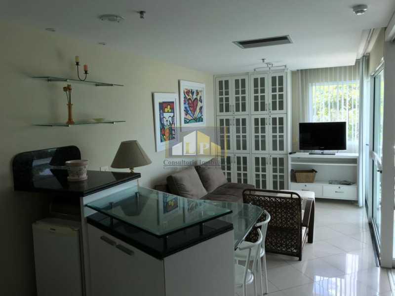 WhatsApp Image 2018-07-19 at 2 - Apartamento Condomínio GRAN NOBILE, Avenida Lúcio Costa,Barra da Tijuca, Rio de Janeiro, RJ À Venda, 1 Quarto, 55m² - LPAP10214 - 14