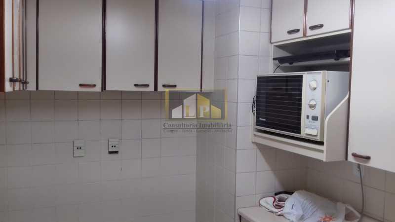 13 - Apartamento À Venda no Condomínio ABM - Barra da Tijuca - Rio de Janeiro - RJ - LPAP20802 - 12