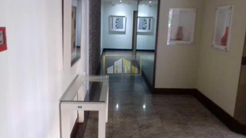 17 - Apartamento À Venda no Condomínio ABM - Barra da Tijuca - Rio de Janeiro - RJ - LPAP20802 - 16