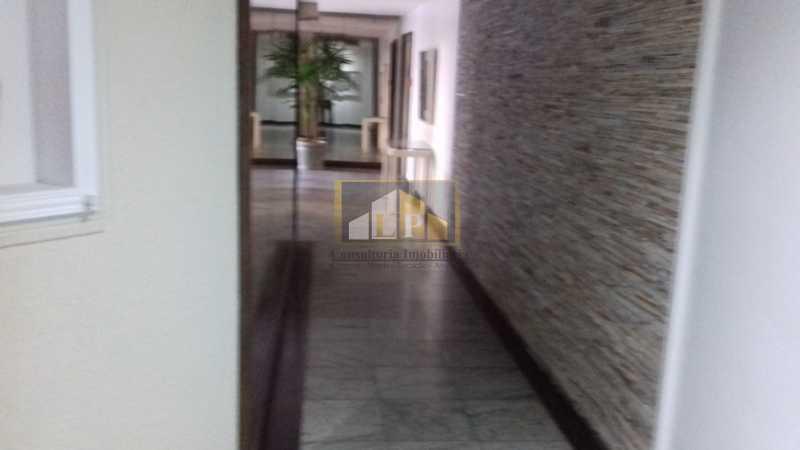 18 - Apartamento À Venda no Condomínio ABM - Barra da Tijuca - Rio de Janeiro - RJ - LPAP20802 - 17