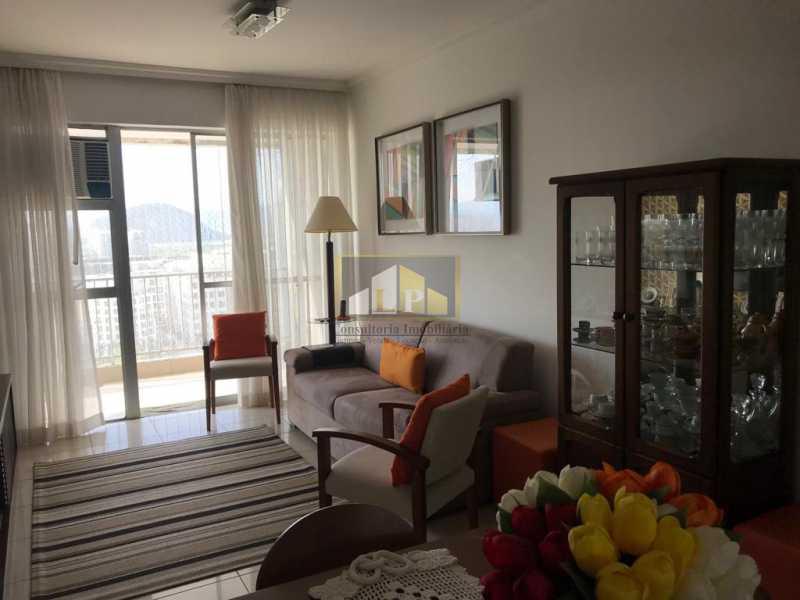 WhatsApp Image 2019-04-03 at 1 - Apartamento 3 quartos a venda no Condomínio Parque das Rosas - LPAP30349 - 5