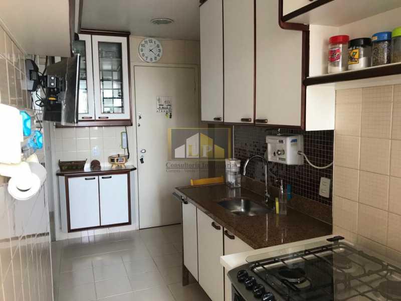 WhatsApp Image 2019-04-03 at 1 - Apartamento 3 quartos a venda no Condomínio Parque das Rosas - LPAP30349 - 25
