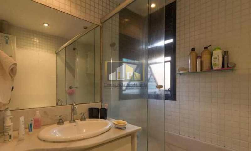 PHOTO-2019-05-14-11-22-14 - Apartamento 4 quartos para alugar Barra da Tijuca, Rio de Janeiro - R$ 5.000 - LPAP40126 - 18