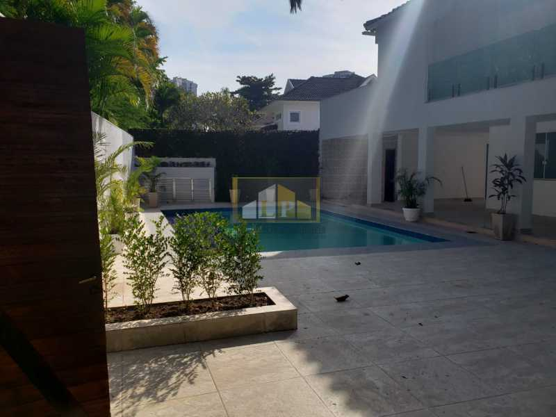 PHOTO-2019-06-05-16-30-34 - Casa em Condominio Condomínio SANTA HELENA, Avenida Prefeito Dulcídio Cardoso,Barra da Tijuca,Rio de Janeiro,RJ À Venda,10 Quartos,700m² - LPCN100001 - 1