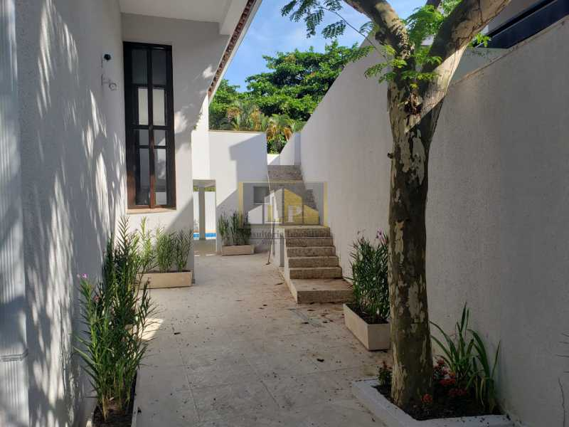 PHOTO-2019-06-05-16-31-06_3 - Casa em Condominio Condomínio SANTA HELENA, Avenida Prefeito Dulcídio Cardoso,Barra da Tijuca,Rio de Janeiro,RJ À Venda,10 Quartos,700m² - LPCN100001 - 24