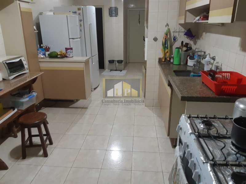 PHOTO-2019-07-12-09-47-28 - Apartamento Condomínio JARDIM OCEANICO, Rua Aldo Bonadei,Barra da Tijuca, Rio de Janeiro, RJ À Venda, 4 Quartos, 175m² - LPAP40135 - 6