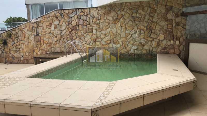 PHOTO-2019-07-25-10-36-36 - Cobertura Condomínio JARDIM OCEANICO, Barra da Tijuca,Rio de Janeiro,RJ À Venda,7 Quartos,700m² - LPCO70001 - 9