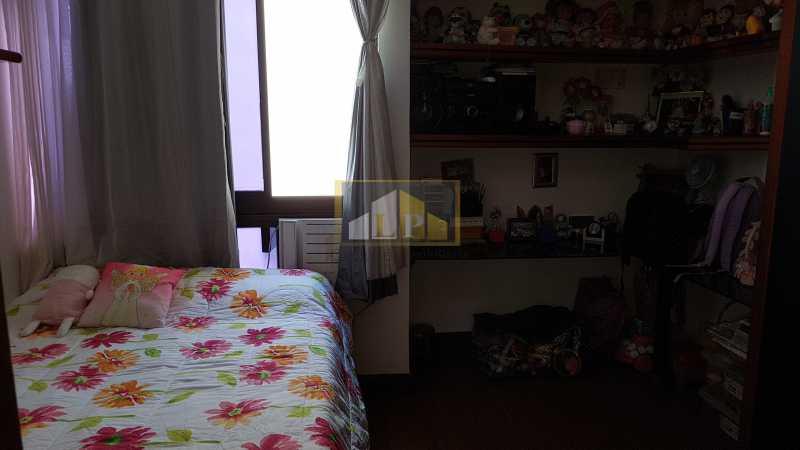 20170612_125922 - Cobertura À Venda no Condomínio JARDIM OCEANICO - Barra da Tijuca - Rio de Janeiro - RJ - LPCO30056 - 26