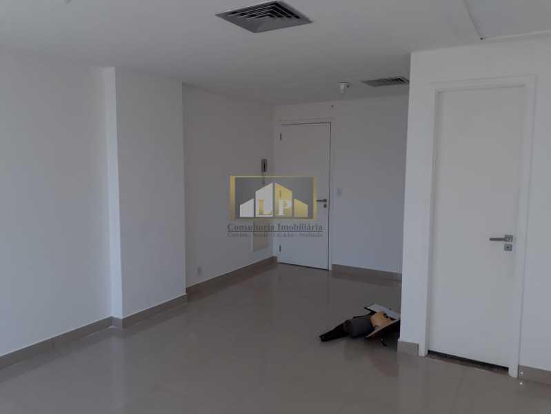 PHOTO-2019-08-22-10-38-39 - Sala Comercial Para Alugar no Condomínio ONE WORLD OFFICES - Jacarepaguá - Rio de Janeiro - RJ - LPSL00083 - 3
