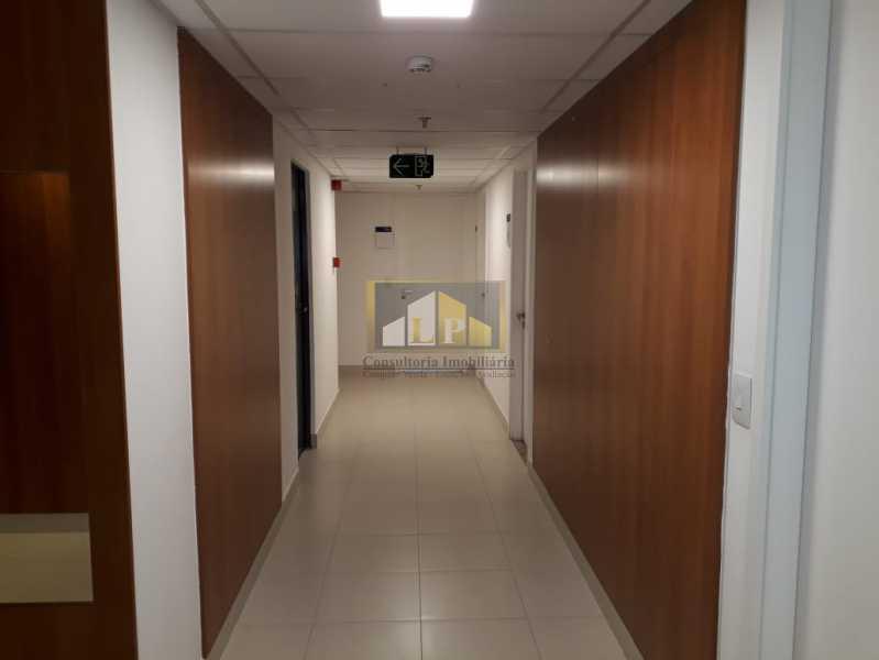 PHOTO-2019-08-22-10-38-41_1 - Sala Comercial Para Alugar no Condomínio ONE WORLD OFFICES - Jacarepaguá - Rio de Janeiro - RJ - LPSL00083 - 7