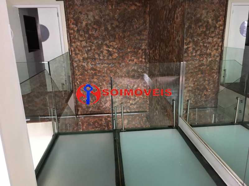 GSM 10 - No Leblon em ponto nobre prédio de três andares para comércio. - LBPC00002 - 11