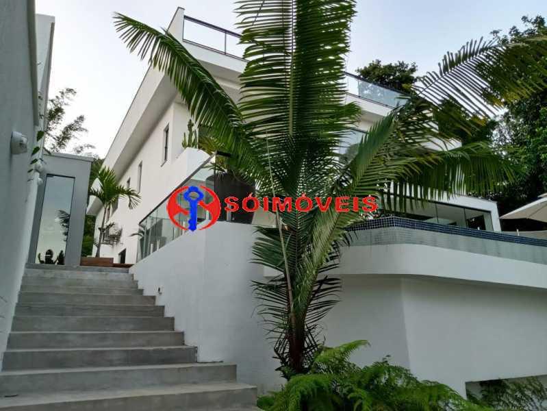 AI 1 - No Itanhangá magnífica casa triplex com uma infra estrutura sensacional. - LBCN50028 - 1