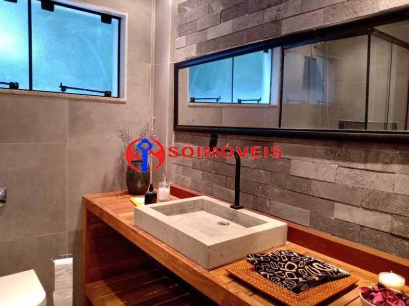 AI 8 - No Itanhangá magnífica casa triplex com uma infra estrutura sensacional. - LBCN50028 - 13