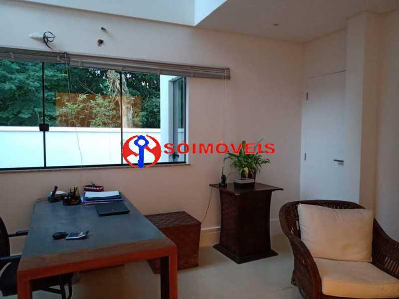 AI 10 - No Itanhangá magnífica casa triplex com uma infra estrutura sensacional. - LBCN50028 - 14