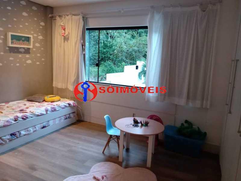 AI 30 - No Itanhangá magnífica casa triplex com uma infra estrutura sensacional. - LBCN50028 - 26