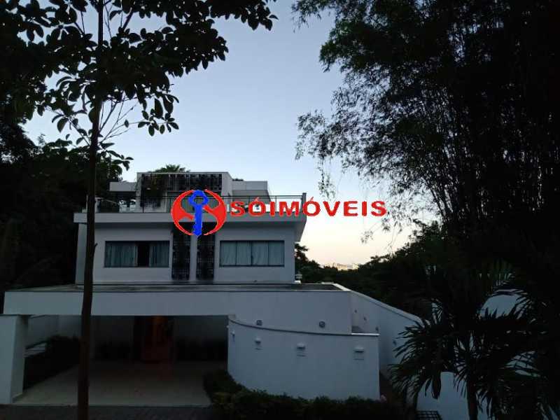 AI 32 - No Itanhangá magnífica casa triplex com uma infra estrutura sensacional. - LBCN50028 - 28
