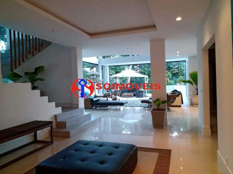 AI 33 - No Itanhangá magnífica casa triplex com uma infra estrutura sensacional. - LBCN50028 - 29