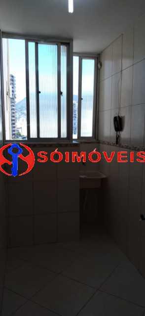 01bb150d-ad1d-479f-a7e4-ca118b - Apartamento reformado, claro e arejado, 2 quartos com dependência. - LBAP23270 - 5