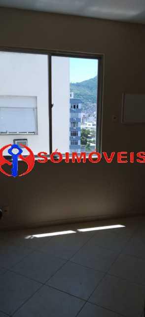 33a4515f-3423-4f2b-bc14-5906e0 - Apartamento reformado, claro e arejado, 2 quartos com dependência. - LBAP23270 - 4