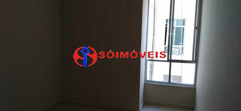 a6826aec-522a-4a49-9f16-af0825 - Apartamento reformado, claro e arejado, 2 quartos com dependência. - LBAP23270 - 22