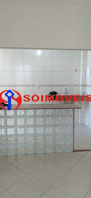 ca30e295-4cdb-4a5a-bba3-77e23d - Apartamento reformado, claro e arejado, 2 quartos com dependência. - LBAP23270 - 25