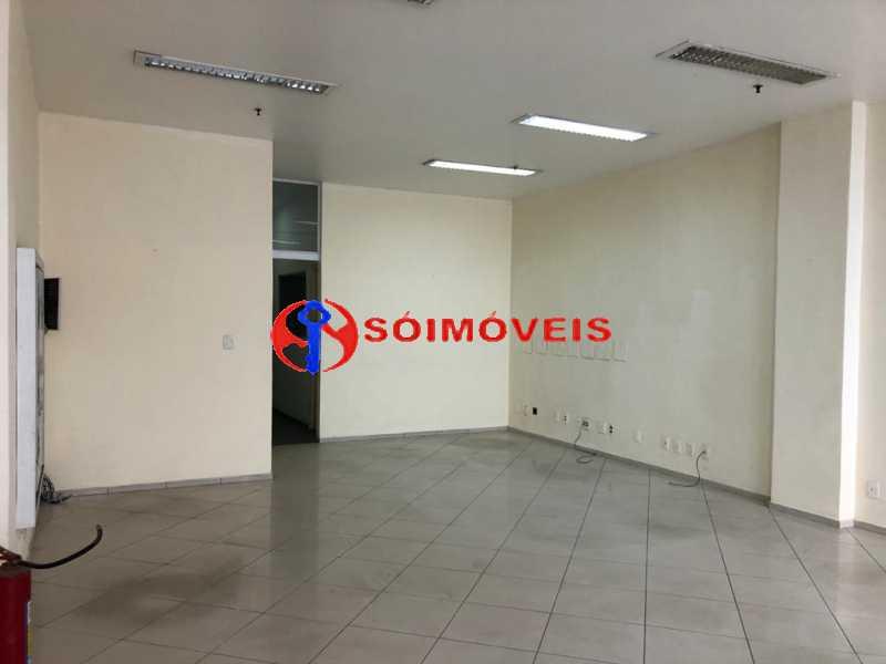 f2149d4e-db31-4a40-98e6-221e9a - Prédio comercial com 5 pavimentos - POPR00004 - 30