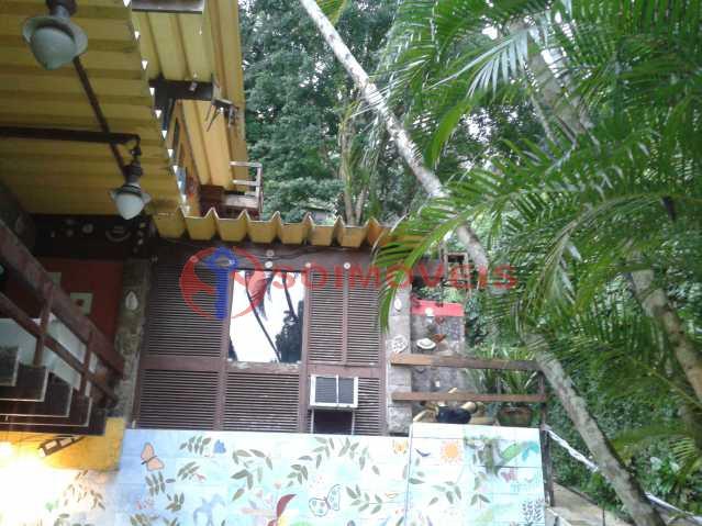 20160301_164850 - Linda casa no Jardim Botânico com piscina e vista deslumbrante para a Lagoa Rodrigo de Freitas.( 765 m² de área construída). Rua tranquila e silenciosa com guarita de segurança 24 hs. Oportunidade ! - LBCA40030 - 24