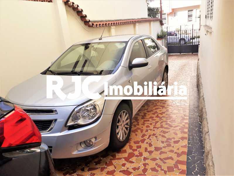 FOTO 27 - Casa 4 quartos à venda Rio Comprido, Rio de Janeiro - R$ 890.000 - MBCA40157 - 28