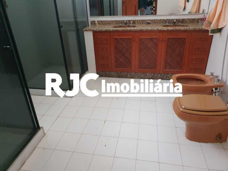 12 banheiro social - Casa 5 quartos à venda Grajaú, Rio de Janeiro - R$ 1.680.000 - MBCA50078 - 16