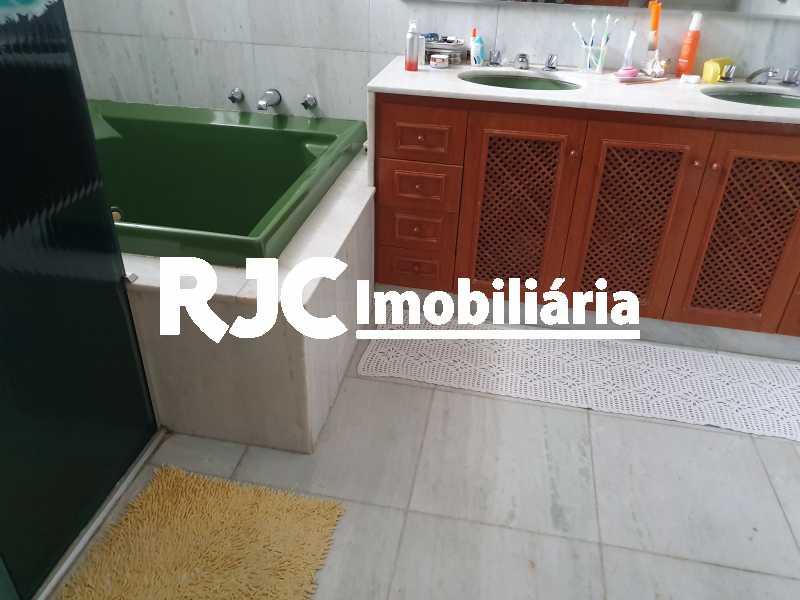25 banheiro suite mas - Casa 5 quartos à venda Grajaú, Rio de Janeiro - R$ 1.680.000 - MBCA50078 - 19