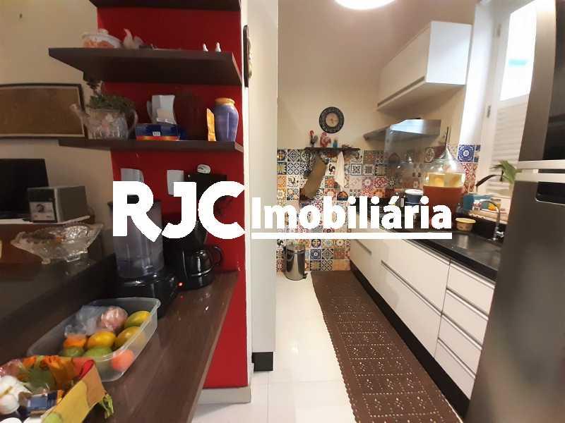FOTO 4 - Casa 3 quartos à venda Tijuca, Rio de Janeiro - R$ 870.000 - MBCA30209 - 5