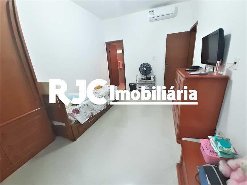 FOTO 10 - Casa 4 quartos à venda Grajaú, Rio de Janeiro - R$ 750.000 - MBCA40178 - 11
