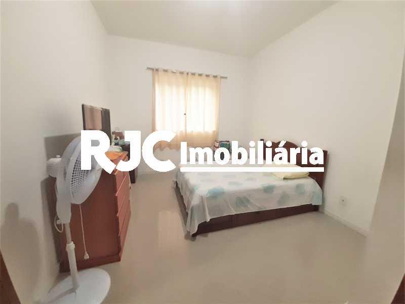 FOTO 13 - Casa 4 quartos à venda Grajaú, Rio de Janeiro - R$ 750.000 - MBCA40178 - 14