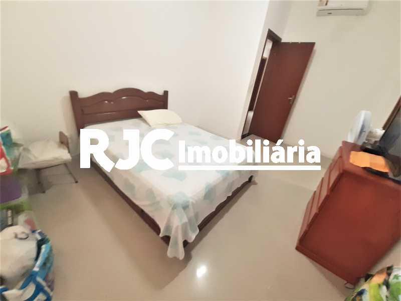 FOTO 14 - Casa 4 quartos à venda Grajaú, Rio de Janeiro - R$ 750.000 - MBCA40178 - 15