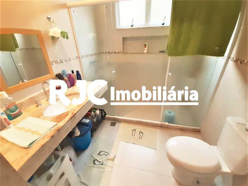 FOTO 16 - Casa 4 quartos à venda Grajaú, Rio de Janeiro - R$ 750.000 - MBCA40178 - 17