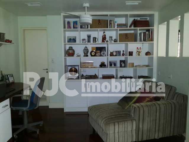 20150415_074908_resized_1 - Cobertura 3 quartos à venda Laranjeiras, Rio de Janeiro - R$ 1.999.000 - MBCO30047 - 7