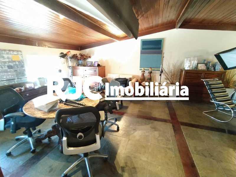 9. - Cobertura 4 quartos à venda Barra da Tijuca, Rio de Janeiro - R$ 3.450.000 - MBCO40131 - 10
