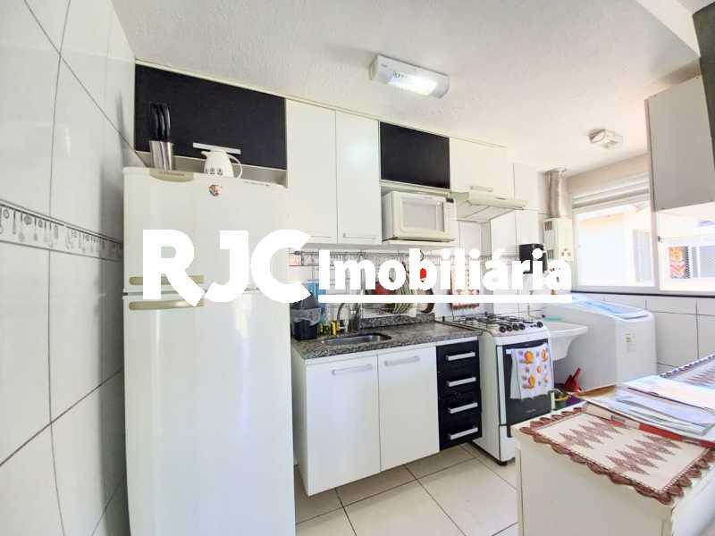 12 - Apartamento à venda Rua Prefeito Olímpio de Melo,Benfica, Rio de Janeiro - R$ 200.000 - MBAP25245 - 13