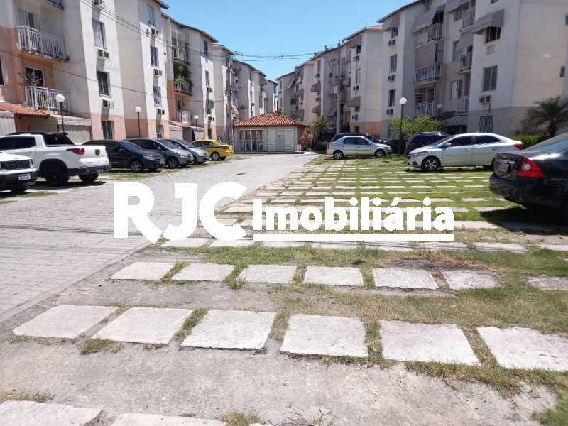 18 - Apartamento à venda Rua Prefeito Olímpio de Melo,Benfica, Rio de Janeiro - R$ 200.000 - MBAP25245 - 19