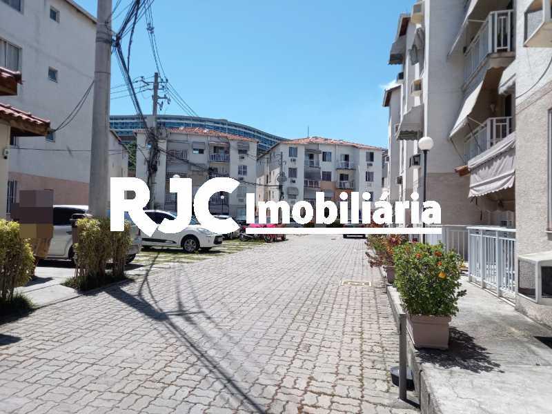 24 - Apartamento à venda Rua Prefeito Olímpio de Melo,Benfica, Rio de Janeiro - R$ 200.000 - MBAP25245 - 26